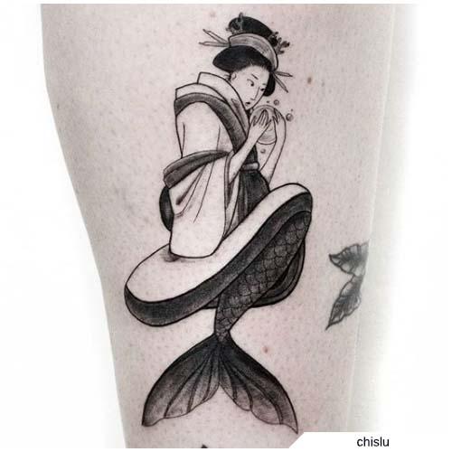tatuaje de geisha de sirena