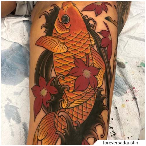tatuaggio carpa koi e foglie d'acero