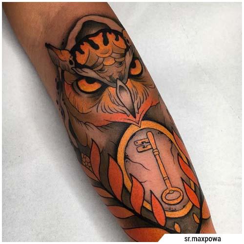 tatuaje de búho clave