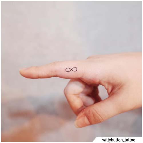 dedo pequeño tatuajes infinitos