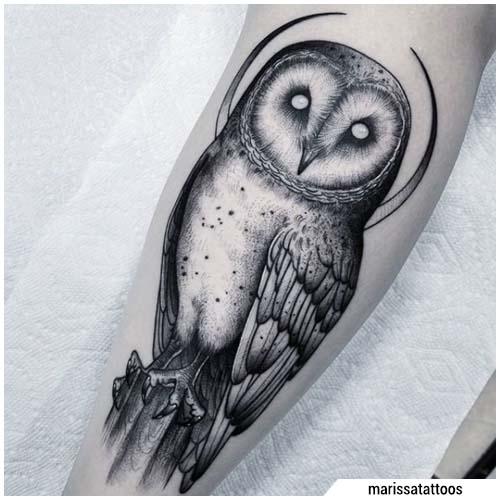tatuaje de búho lunar