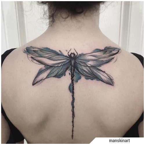 tatuaje de libélula