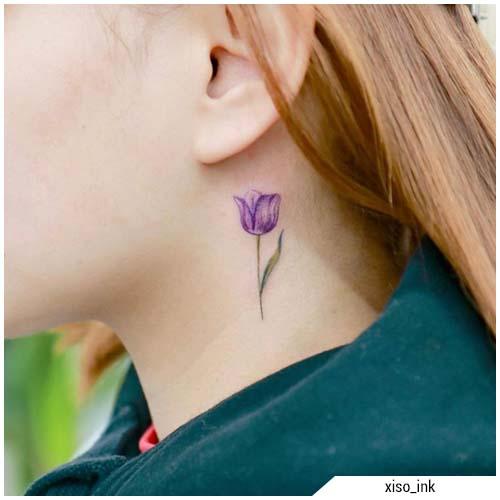tatuajes de mujer tulipán