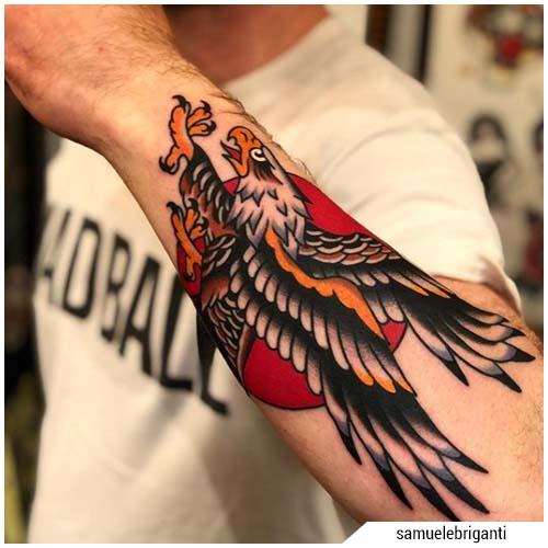tatuajes hombre águila antebrazo