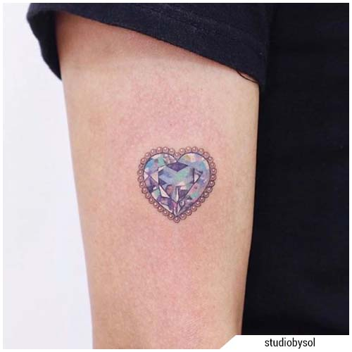 tatuaggi donna cuoricino cristallizzato