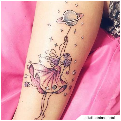 tatuaggi donna ragazza pianeta