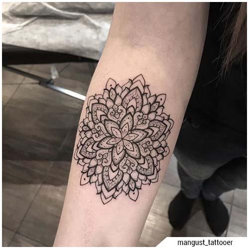 tatuaggi donna mandala
