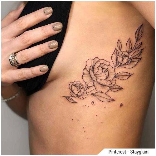tatuajes de mujer peonía