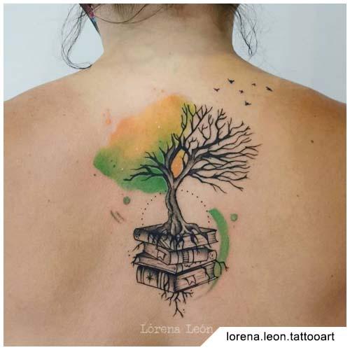 tatuaggio albero della vita metà watercolor metà blackwork