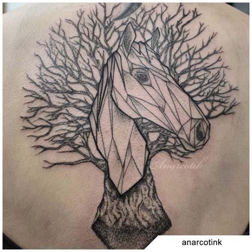 tatuaggio albero della vita cavallo