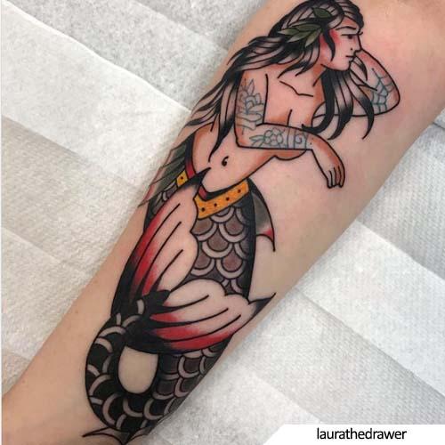 tatuaggio sirena tatuata stile tradizionale